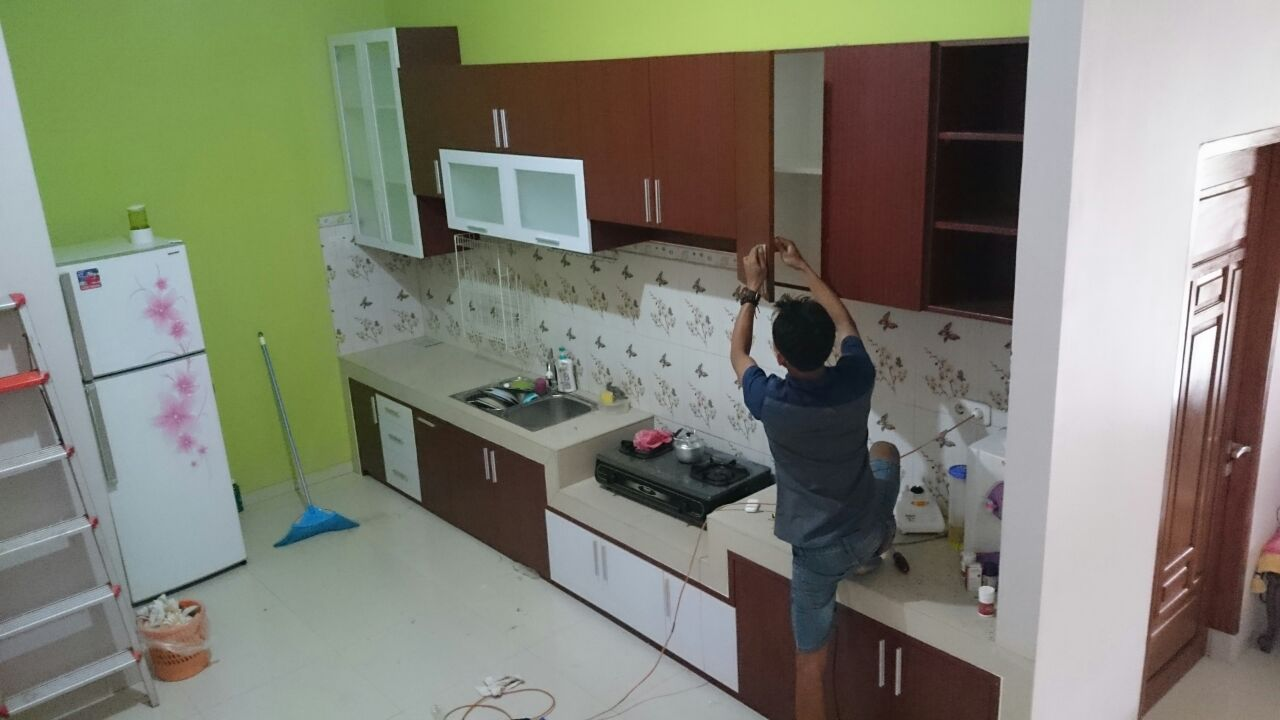 Contoh Gambar Kitchen Set Sederhana Yang Ekonomis Kitchen Set Minimalis Rocka Jati